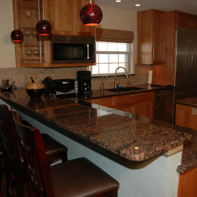 Granite countertops on bar after kitchen remodeling in Wheat Ridge