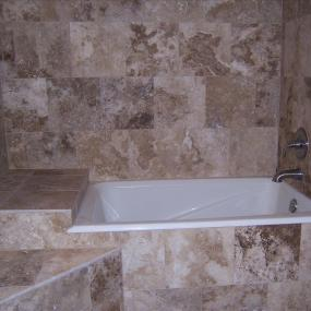 Bathtub with seating